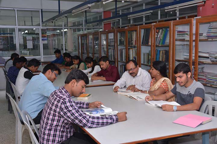 https://cache.careers360.mobi/media/colleges/social-media/media-gallery/15688/2018/10/27/Library of ALT Training College Ahmedabad_Library.jpg